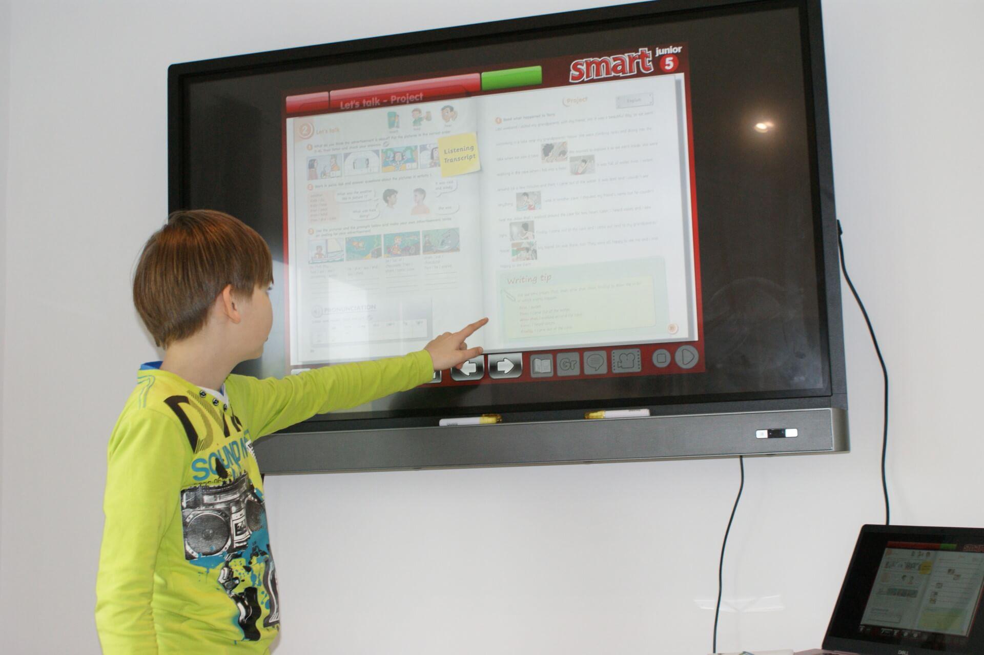 nauka angielskiego przy pomocy tablicy interaktywnej